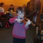 Na oddílové schůzi po dlouhé době zazněla i živá hudba ...